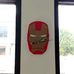 Jam Dinding Iron Man Mesin Quartz Jarum Gerak Lembut